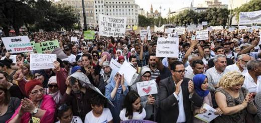 manifestacion Barcelona musulmanes contra terrorismo islamico 2017