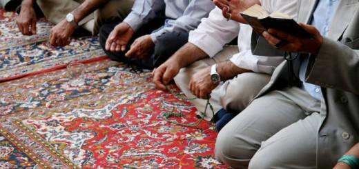 rezando mezquita